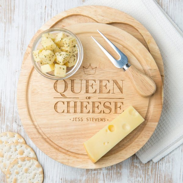 Personalised Queen of Cheese Board Set